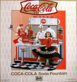 Barbie COCA COLA SODA FOUNTAIN Playset w Shipper Box   Limited Edition Barbie Collectibles (2000) Toys & Games