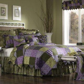 Donna Sharp Grape Patch Full / Queen Quilt