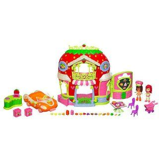 Strawberry Shortcake Bitty Berry Market Playset with Bonus Orange Blossom Doll & Vehicle Toys & Games