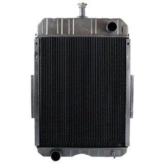 Case International 806 826 856 Tractor Radiator OE 386860R91 Automotive
