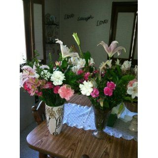 Mothers Day Flowers   Free Fast Shipping   Fresh Cut Flowers   25 Stems  Fresh Cut Format Mixed Flower Arrangements  Grocery & Gourmet Food