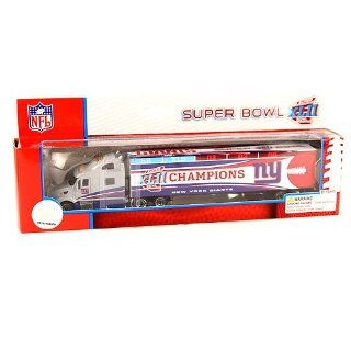 NFL Licensed New York Giants Super Bowl XLII Champions 1:80 Scale Tractor Trailer : Sports Fan Toy Vehicles : Sports & Outdoors