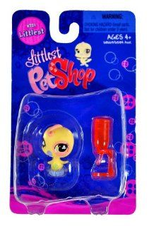 "Hasbro Year 2008 Littlest Pet Shop Single Pack ""Littlest"" Series Bobble Head Pet Figure Set #721   Yellow Parakeet Bird with Water Bottle Bird Feeder Toys & Games"