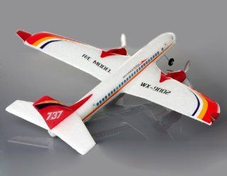 Boeing 737 Remote Control Airplane (White) Toys & Games