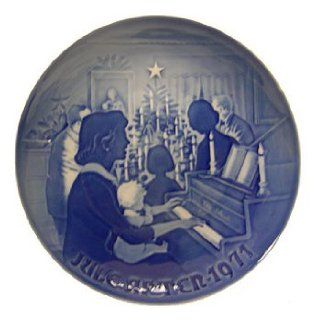 Bing & Grondahl 1971 Christmas Plate   Commemorative Plates