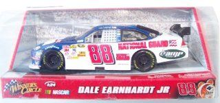 Dale Earnhardt Jr 1:24 Scale Diecast Blue Car 88 Amp National Guard Winner's Circle Nascar: Toys & Games