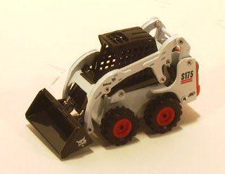 Bobcat Skid Loader S 175 1:50 Scale: Toys & Games