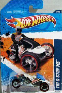 2011 Hot Wheels HW City Works 2/10   White TRI & STOP ME Beach Patrol Parking Enforcement Trike 172/244 Toys & Games