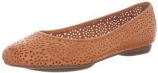 Clarks Women's Plush Bea Flat: Shoes
