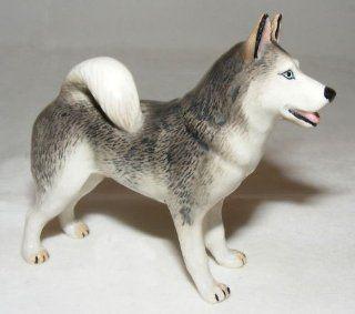 HUSKY Alaskan Husky Dog Gray Grey NEW Stands MINIATURE Porcelain NORTHERN ROSE R159   Collectible Figurines