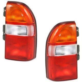 1999 2004 Chevy/Chevrolet Tracker & 1999 2003 Suzuki Grand Vitara & 2001 2003 XL7 XL 7 Vitara Taillight Taillamp Rear Brake Tail light Lamp Pair Set Left Driver & Right Passenger Side (1999 99 2000 00 2001 01 2002 02 2003 03 2004 04) Automotiv