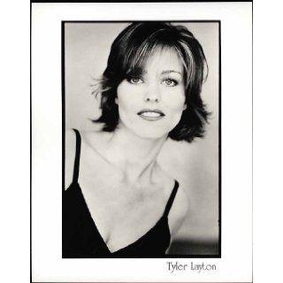 "Tyler Layton ""Silk Stalkings"" Actress 8"" X 10"" Original Agency Photo (looking ahead): Tyler Layton: Books"