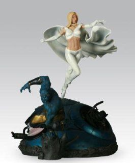 X Men VS Sentinel   Beast and White Queen   Marvel Polystone Diorama   Premium 16'' Statue: Toys & Games