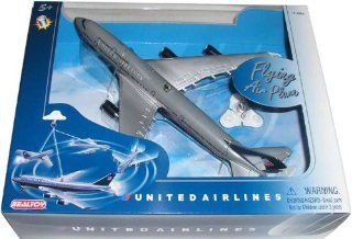 United Airlines B747 Flying Toy   Toy Vehicles