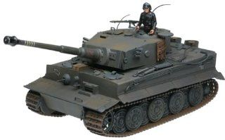 Series 2: WWII German Tiger 1 Tank in 1:18 Scale: Toys & Games