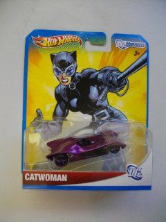 HOT WHEELS DC Comics Universe CATWOMAN Diecast CAR CATMOBILE Toys & Games