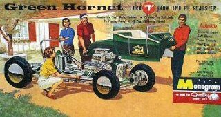 "#0061 Monogram Classics Green Hornet Ford ""T"" Show and Go Roadster 1/24 Scale Plastic Model Kit,Needs Assembly: Toys & Games"