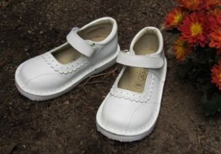 Coco Jumbo Girls Genuine Leather Mary Janes White Scalloped Edge/  (12 Little Kid) Shoes
