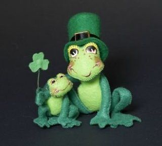 "Annalee Mobilitee Doll Irish St Patricks Day Proud To Be Green Frog 3""  Collectible Figurines"