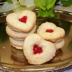 Oma Gisis Jelly Heart Sandwich Cookies (Box of 12)